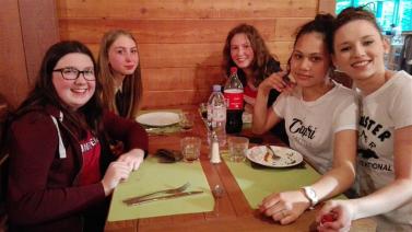 Diner à l'hotel des 3 hiboux (1)